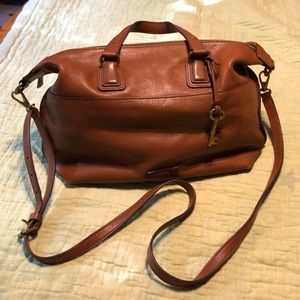 Brown leather fossil purse, great condition